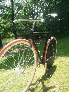 Hinten Cover Wheel...