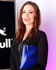 Hayley Atwell Age, Bio, Net Worth, Boyfriends & More - Famous World Stars Hayley Atwell Peggy Carter, Hayley Elizabeth Atwell, Haley Atwell, Popular Actresses, Canadian Actresses, Teen Actresses, Gal Gardot, Sharon Carter, Agent Carter