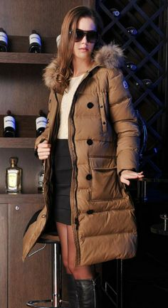 I need this coat right about now. It's soon cold here in Chicago!