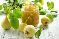 Pear Chutney Recipe - Sweet & Spicy Pear and Apple Chutney with Ginger Pear Recipes, Fruit Recipes, Recipies, Pear Preserves, Pear Jam, Salsa Picante, Pyrus, Canning Recipes, Antipasto