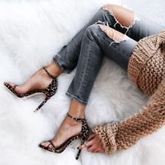 grey skinny destroyed ripped jeans chunky knit tricot vest leopard sandals heels, street wear, fashion, ootd