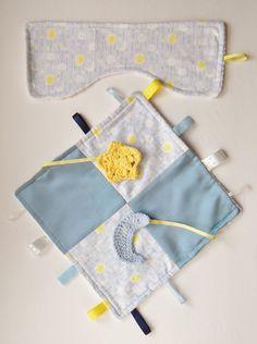 Twinkle Star Handmade Baby Sensory Ribbon, Lovey, Taggie Blanket + Burp Cloth #OhSoKnotty
