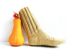 Hey, I found this really awesome Etsy listing at https://www.etsy.com/listing/170975798/mens-wool-socks-chunky-hand-knitted