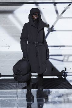 Moncler 6 1017 Alyx Fall 2019 Ready-to-Wear Fashion Show - Vogue Milan Fashion Weeks, New York Fashion, Matthew Williams, Fashion Show, Mens Fashion, Fashion Fall, Ladies Fashion, Copenhagen Fashion Week, Vogue Japan