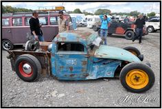 Dont get the fake pipes in the front, but otherwise looks like an interesting start of VW rat rod.