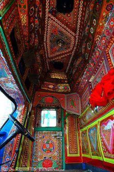 Horse Box Conversion, Truck Art, Indigenous Art, Art Forms, Horses, Pakistani, Flowers, Houses, Royal Icing Flowers
