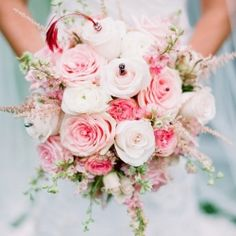 A lineup of 25 Show-Stoper Wedding Bouquets  [Arielle Doneson Photography]