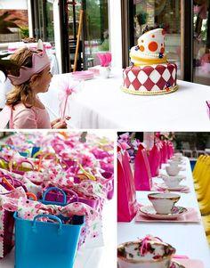 Une fête «Alice au pays des merveilles» colorée