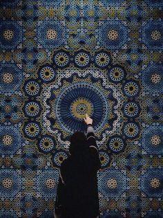 "yatzer: ""The Highlights of Dubai Design Week 2015 photo: The Hammam Deluxe carpet by Samovar Carpets. Photo by Herald Herrera at Downtown Design Dubai "" Mecca Wallpaper, Islamic Wallpaper, Photos Islamiques, Mekka Islam, Dubai Design Week, Hijab Drawing, Mosque Architecture, Photo Deco, Hijab Cartoon"