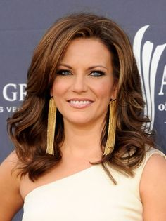 Martina McBride, Martina McBride arrives at the Academy of Country Music Awards held at the MGM Grand Garden Arena at the MGM Grand Hot. Country Female Singers, Country Music Artists, Country Music Stars, Martina Mcbride, Hair Styles 2016, Famous Faces, Beautiful People, Beautiful Ladies, My Idol