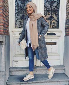 Pinterest: @adarkurdish Modest Fashion Hijab, Hijab Chic, Modest Outfits, Chic Outfits, Islamic Fashion, Muslim Fashion, Hijab Moda, Hijab Trends, Mode Simple