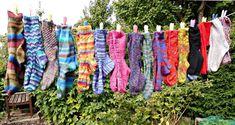 Winwick Mum: Beginner sock knitting: Sockalong - tension squares, casting on and stitch calculations Loom Knitting, Knitting Stitches, Knitting Patterns Free, Knitting Socks, Baby Knitting, Free Pattern, Knitting Machine, Vintage Knitting, Knitting Designs