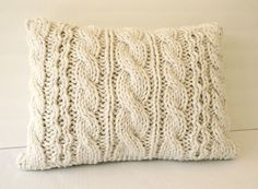 Hand Knit Chunky Throw Pillow Chair Decor Bulky Yarn von Vivamamere