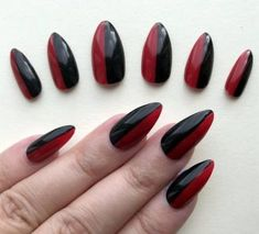 Painted False Nails Stiletto (Any) Harley Quinn Fancy Dress Black Red Cosplay - My best nail list Stiletto Shaped Nails, Black Stiletto Nails, Blue Nails, White Nails, Black Nail Designs, Acrylic Nail Designs, Acrylic Nail Shapes, Acrylic Nails, Acrylics
