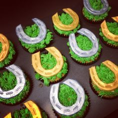 how to make flat racing themed cupcakes - Buscar con Google