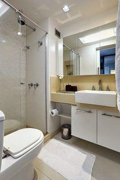Desde os completamente brancos, até os claros com detalhes em cores vivas, 20 banheiros e lavabos claros e lindos para lhe inspirar