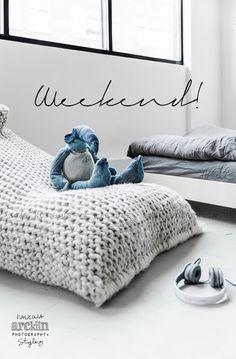 Pouf géant au tricot / Couleur gris / Idéal pour la décoration d'une chambre d'enfant