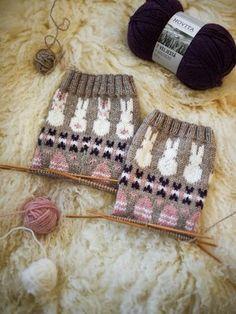 Wool Socks, Knitting Socks, Knitting Patterns, Bunny Crafts, Drops Design, Knitting For Kids, Fun Projects, Lana, Mittens