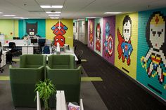 Employee Uses 8,024 Post Its to Turn Drab Office Walls Into Giant Superhero Murals Office Mural, Office Walls, Office Art, Office Spaces, Office Decor, Arte Post It, Post It Art, Post Its, 8 Bits
