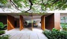 pivoting doors + garden