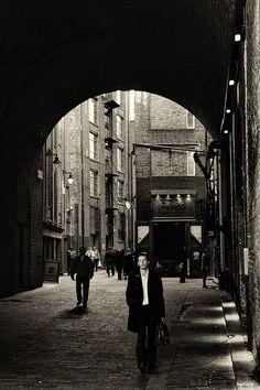 "500px / Photo ""corner of london"" by Hegel Jorge"