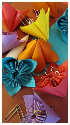 DIY Origami: DIY  Origami Flower Favors