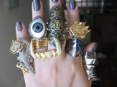 That eye ring……. #FASHION #TRENDS