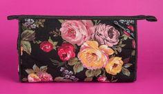 Oscar de la Renta Cosmetic Bag, vintage 1980's.  Yard Sale find $1.