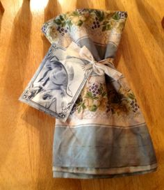 Vintage fabric.....ofgfaap by hootnanniesbyjeanne on Etsy, $5.00