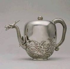 Dragon Tea Pot, Japanese 1876
