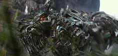 Transformers: Age of Extinction'a ait yeni bir fragman yayınlandı. 2 dakika 33 saniyelik fragmanda izleyicilere film hakkında daha detaylı bilgi sunuluyor. Pagani Huayra, Bugatti Veyron, Chevrolet Corvette C7 Stingray, Lamborghini Aventador gibi spor otomobillerin robota dönüşecek olması ...