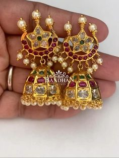Indian Jewelry Earrings, Jewelry Design Earrings, Gold Earrings Designs, Bridal Jewelry, Turquoise Jewelry, Gold Jewelry, Jumka Earrings, Jewelry Trends, Cuff Bracelets