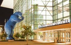 Giant blue bear at the Colorado Convention Center in Denver. I KNEW I should have taken a trip to Denver! Denver Travel, Visit Denver, Best Hikes, Denver Colorado, Convention Centre, Media Center, City Art, Walking Tour, Public Art