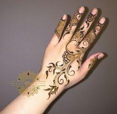 Best Garden Decorations Tips and Tricks You Need to Know - Modern Mehndi Art, Henna Art, Mehendi, Hena Designs, Mehandi Designs, Henna Body Art, Flower Henna, Neck And Shoulder Pain, Bridal Henna
