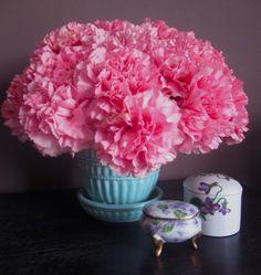 Pink Flower Arrangements Centerpieces | Pink carnation flower arrangement