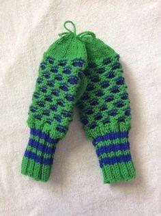 Hand Knit Honey Comb Mittens Youths Teen Kids  #Mittens