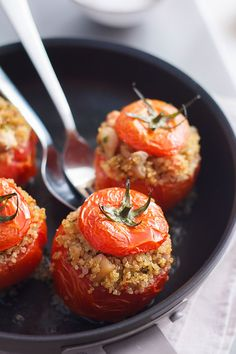 Chicken Quinoa Stuffed Tomatoes - Filling, delicious and incredibly healthy!