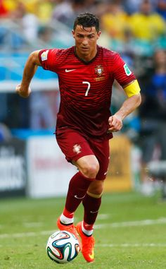See the Soccer Stud's Sexiest Shirtless Photos Cristiano Ronaldo, Portugal, World Cup Kit Cristiano Ronaldo Portugal, Cristiano Ronaldo Cr7, Cristino Ronaldo, Ronaldo Juventus, Good Soccer Players, Football Players, Kyle Beckerman, Football Training Drills, Ronaldo Quotes
