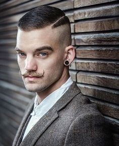35 Hard Part Haircuts: Reviving an Old Classic Haircut Style hard part haircut styles Top Haircuts For Men, Hipster Haircuts For Men, Hipster Hairstyles, Cool Hairstyles For Men, Slick Hairstyles, Undercut Hairstyles, Barber Hairstyles, Hard Part Haircut, Side Part Haircut