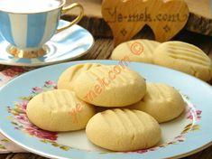 Üç Malzemeli Un Kurabiyesi Nasıl Yapılır? Turkish Sweets, Tart, Cheese, Cookies, Fruit, Food, Kitchens, Crack Crackers, Pie