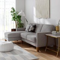 35 Cozy Small Living Room Decor Ideas With Sectional Sofa - The best sofas for small rooms are sectional sofas. Sectional sofas are good because they can be split in to many sections. You can place the sections. Small Sectional Sofa, Modern Sectional, Small Sofa, Chaise Sofa, Sleeper Sectional, Modern Daybed, Leather Sectional, Modern Sofa, Living Pequeños
