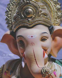Shri Ganesh Images, Ganesha Pictures, Ganesh Wallpaper, Lord Shiva Hd Wallpaper, Ganesh Idol, Ganesha Art, Shri Ram Photo, Ganpati Bappa Wallpapers, Krishna Avatar
