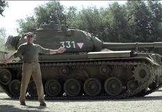 Schwarzenegger: Got A Tank, Wants You To Crush Things With Him - Cars Watcher