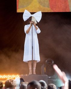 Image about ️sia in Sia. by єℓιzαвєтн вαи∂α on We Heart It Sia Kate Isobelle Furler, Sia Music, Sia And Maddie, My Life My Rules, Acid Jazz, Shes Amazing, Women In Music, Jazz Band, Song Artists