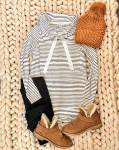 IG mrscasual Cozy outfit for running errands Fall Winter Outfits, Autumn Winter Fashion, Winter Clothes, Winter Style, Winter Weekend Outfit, Snow Clothes, Casual Winter, Stitch Fix, Fashion Magazin