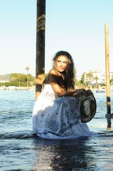 Sarayu Dress, vestido largo boho de ensueño. Hippy Chic, Boho Chic, Ibiza, Drawstring Backpack, Gym Bag, Spring Summer, Dresses, Fashion, Hippie Dresses