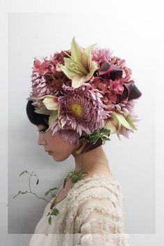 Micro Trend: Flower headdresses   Flower Headdress, Floral Headpiece, Foto Portrait, Arte Floral, Belle Photo, Her Hair, Floral Arrangements, Fashion Photography, Floral Photography