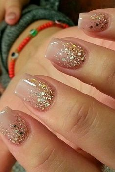 Do you love to have beautiful #nailart manicures but do not have the time and skill to do them yourself? Nail Polish Strips are the next best thing - easy, fast and no dry time or special tools require. Best of all since they are real #nailpolish they look just like the real deal!