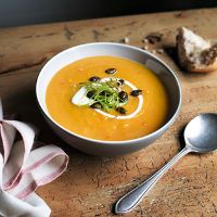 Roast squash, rosemary and butter bean soup Butter Bean Soup, Butter Beans, Cooking Recipes, Healthy Recipes, Healthy Foods, Yummy Recipes, Vegetarian Main Meals, Bean Soup Recipes, Roasted Squash