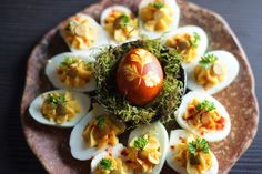 Botanical Eggs and a Spring Equinox Ritual For New Growth Vernal Equinox, Red Cabbage, New Growth, Cheese Cloth, Spring Recipes, Boiled Eggs, Egg Shells, Yummy Food, Dishes